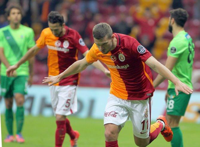 Galatasaray: 3 - Akhisar Belediyespor: 2