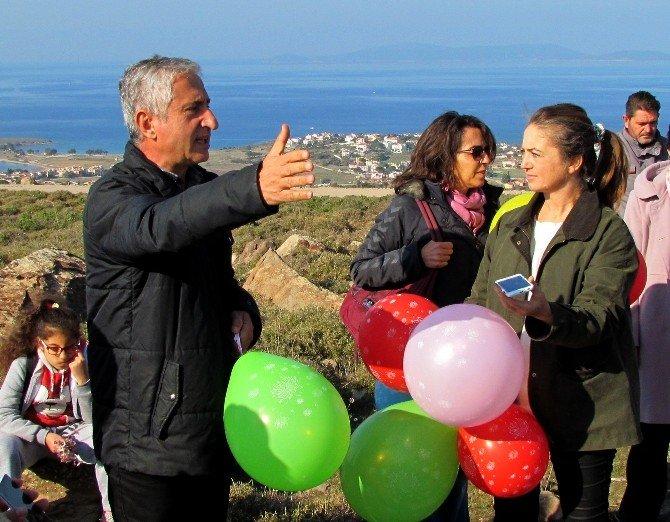Çeşme'de Res'lere Balonlu Tepki