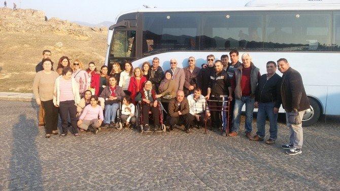 Engelliler, Başkan Özakcan'a Teşekkür Etti