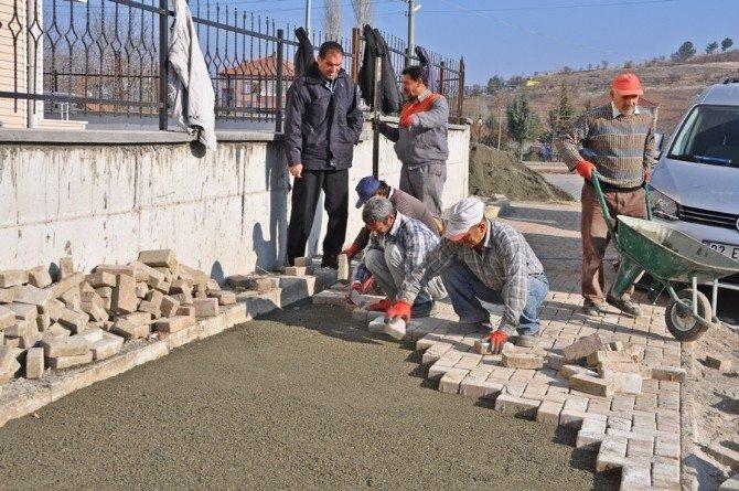 Mimar Sinan Mahallesinde Kaldırım Çalışması Devam Ediyor