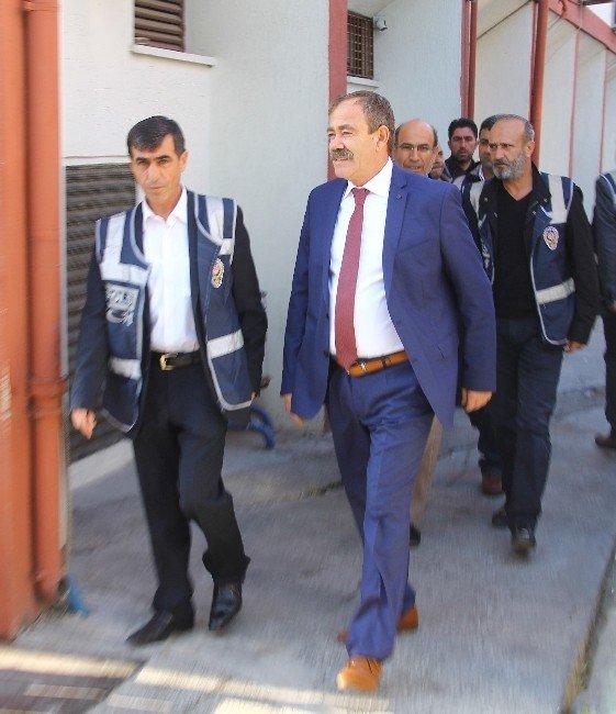 Mersin'de HDP'li Belediye Başkanı Adliyeye Sevk Edildi