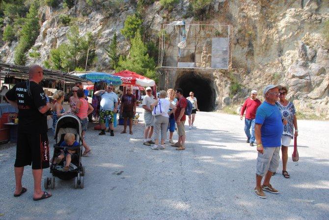 600 bin turist Oymapınar'da köy ve safari turuna çıktı