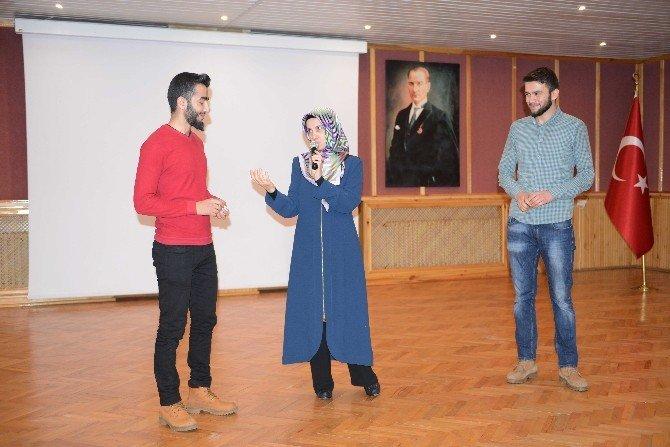 BÜ'den 'Gençlik' Konferansı