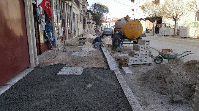 Pazaryeri'nde Cadde Ve Sokaklar Elden Geçiyor