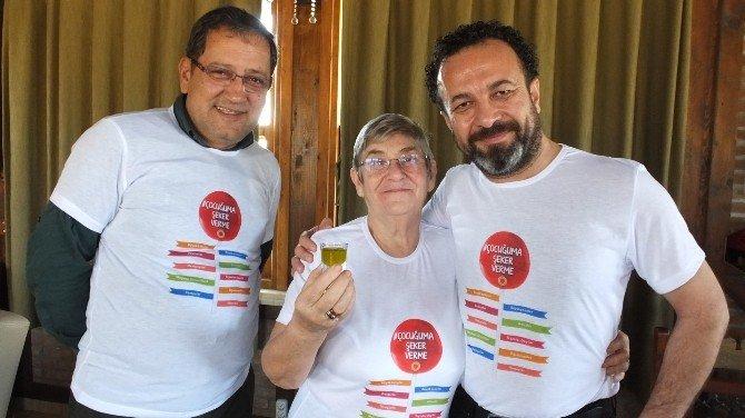 Çocuğuma Şeker Verme Kampanyası Gömeç'te Başladı