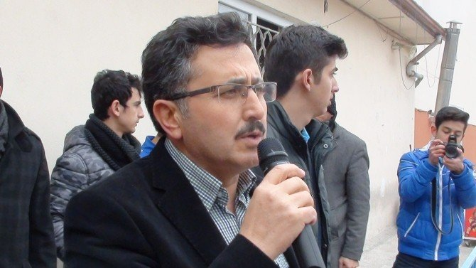 Çorumlu Öğrencilerden Türkmenlere 1 Tır Yardım