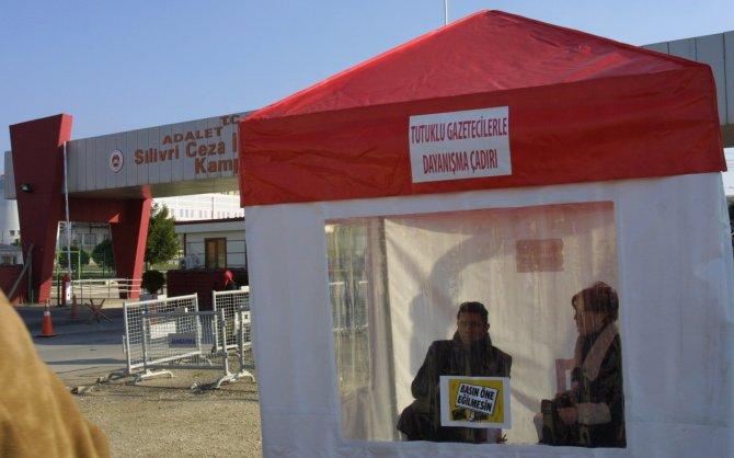 CHP'den cezaevi önünde dayanışma çadırı