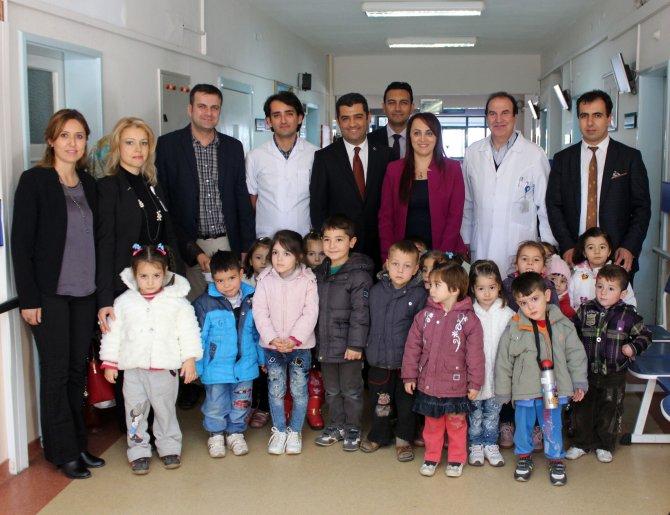 Çal'da öğrencilere göz ve diş taraması yapıldı