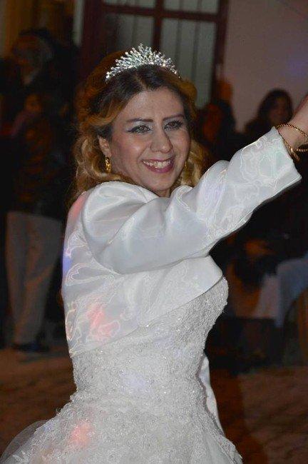 Denizli'de Suriyeli Bir Kadın Düğünün Ertesi Günü Takılarla Kaçtı