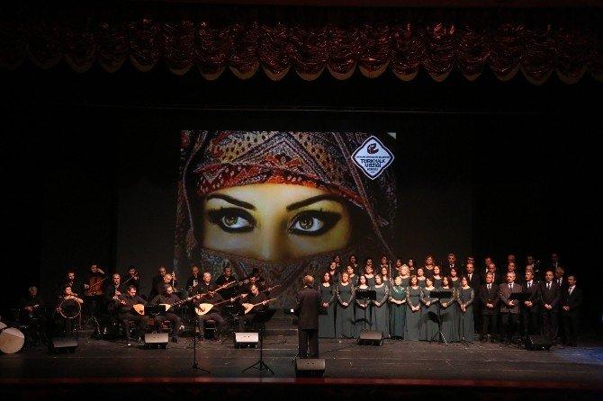Büyükşehir Belediyesi Türk Halk Müziği Korosundan 10'ncu Yıl Konseri