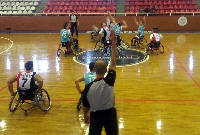 Bağcılarlı Basketçiler, Gaziantep Engelsiz Basketbol Takımı'nı 82-52 Yendi