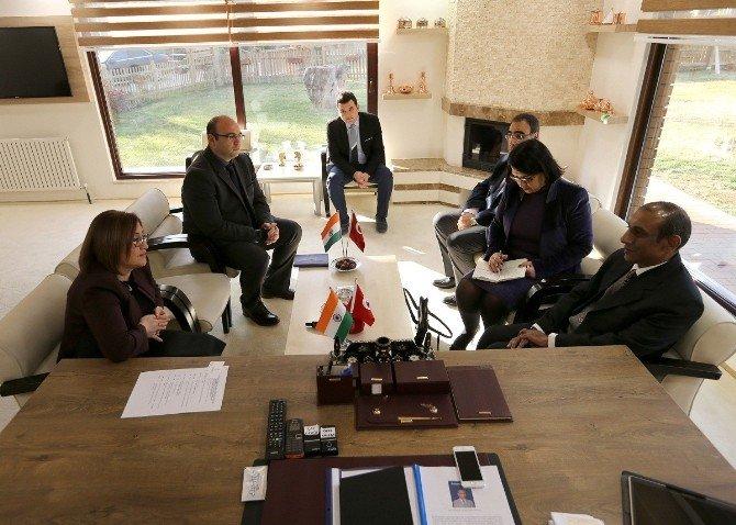 Hindistan Ankara Büyükelçisi Kulshreshth'den Şahin'e Ziyaret
