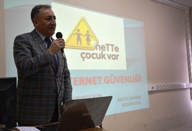 """Tatvan'da """"Güvenli İnternet Kullanımı"""" Eğitimi"""