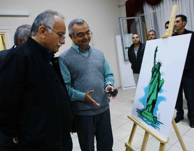 'En İyi' Karikatürcüler Ödüllerini Altı
