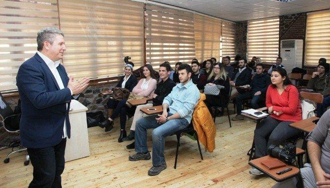 Ünlü Sunucu Erdoğan Arıkan, Öğrencilerle Buluştu
