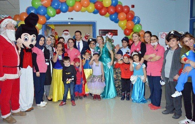 Onkoloji Hastası Çocuklar İçin Kostümlü Yılbaşı Partisi