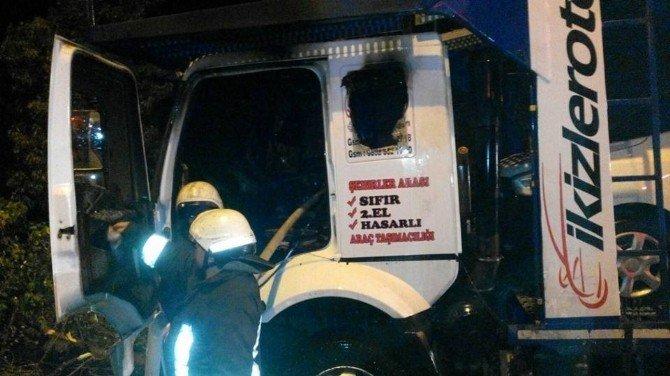 Tarsus'ta Araç Yüklü Tır'a Molotoflu Saldırı