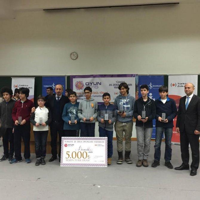 Türkiye'nin zeka şampiyonları Yamanlar'dan