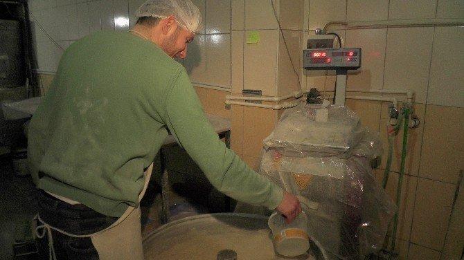Muş'tan Amerika'ya Tandır Ekmeği Gönderiliyor