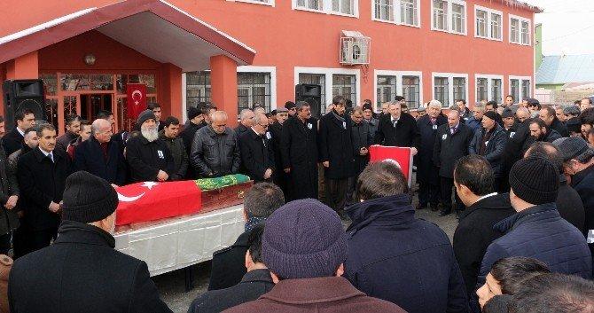 Okul Müdürü Akyel Hayatını Kaybetti
