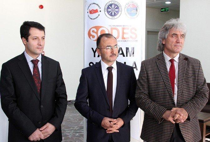 """ARÜ'den """"Yaşam Sporla Güzel"""" Projesi"""