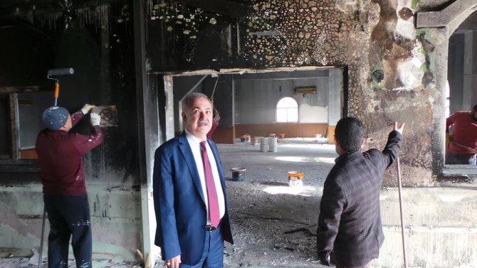 Yanan camiye Başkan Kara sahip çıktı