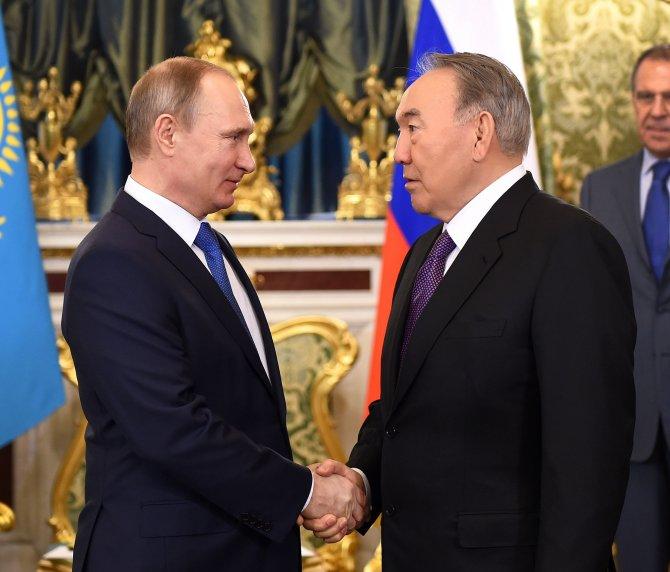 Nazarbayev ve Putin Moskova'da görüştü