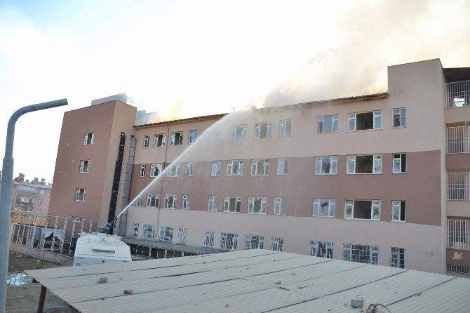 Atıl Hastane Binasında Yangın