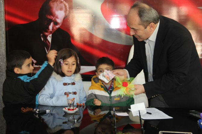 Nur Damlaları Kuran Kursu öğrencilerinden Başkan Aytekin'e ziyaret