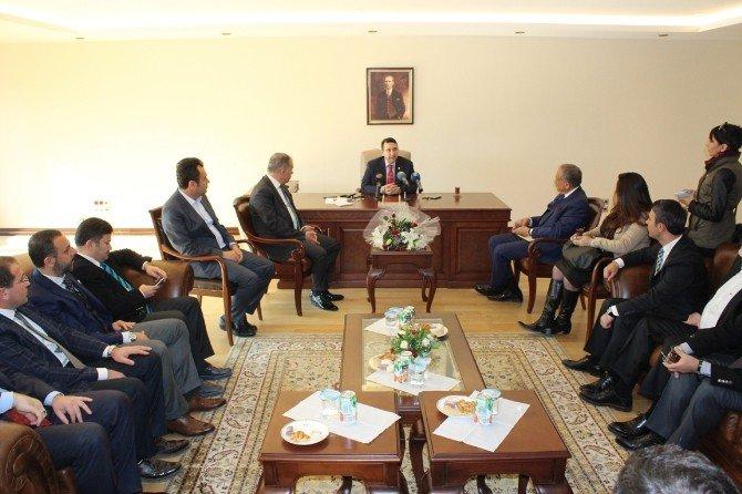 Davutoğlu'nun Başdanışmanı İzmir Başbakanlık Ofisinde