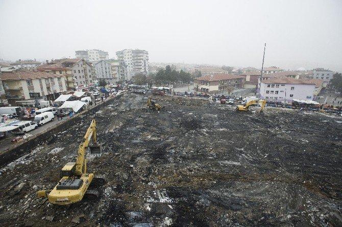 Yanan Osmanlı Pazarının Enkazı Temizleniyor