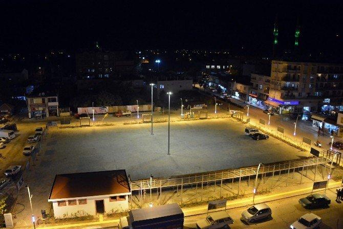 Demre'ye Hem Meydan Hem Çok Amaçlı Otopark