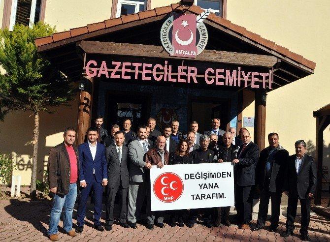 Antalya'da MHP Eski Yöneticilerinden Kurultay Çağrısı