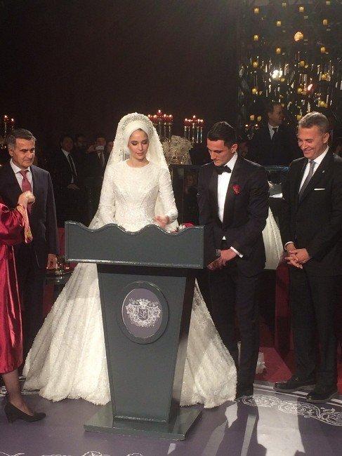 Mustafa Pektemek Evlendi