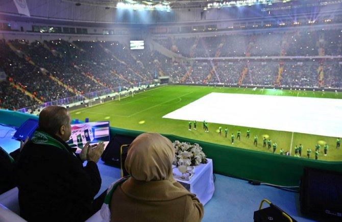 Timsah Arena'yı açan Erdoğan: Şampiyona böyle bir stadyum yakışırdı