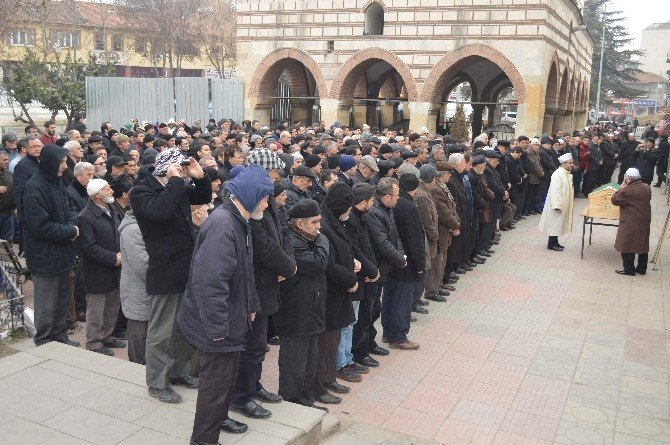 CHP Merkez İlçe Eski Başkanı Kalbine Yenik Düştü