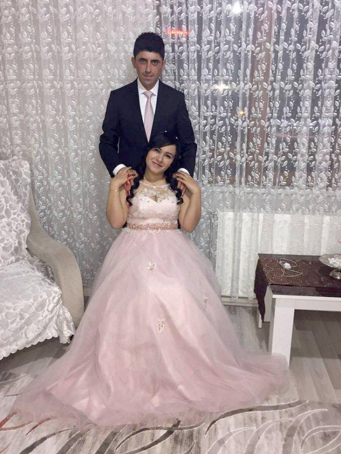 Şehit olduğu tarihi ilçede, bir hafta önce nişanlısıyla fotoğraf çektirmiş