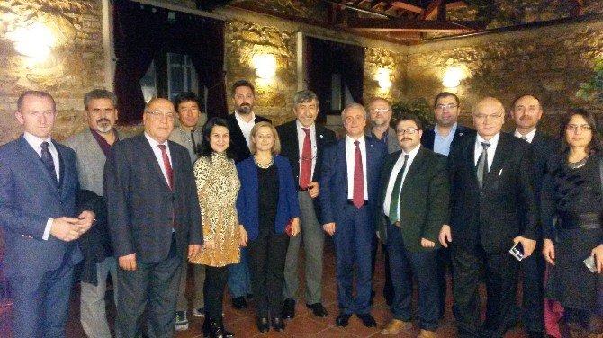 Türk Dünyası Temsilcileri Anadolu Üniversitesi'nde Buluştu