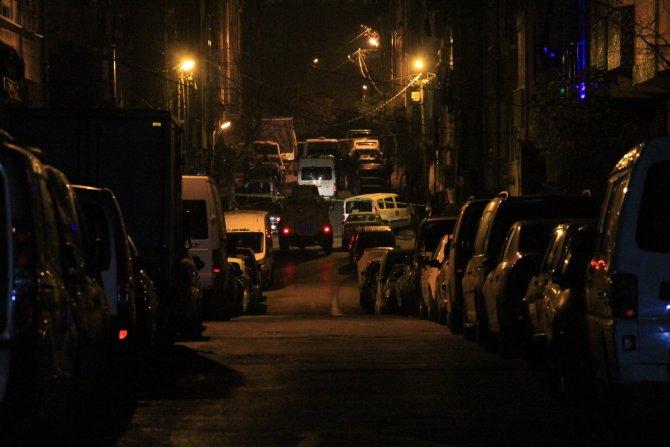 Gaziosmanpaşa'da terör operasyonu: 2 terörist öldürüldü, 4 polis yaralı