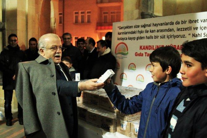 Mevlit Kandili'nde Kırşehir'deki camilerde süt dağıtıldı