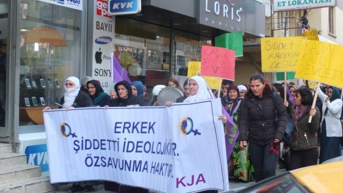 Hakkarili kadınlar: Çatışmalar, kadın ve çocuklar için daha yakıcı biçimde