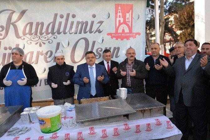 Bilecik Belediyesi Helva İkramı Geleneğini Sürdürüyor