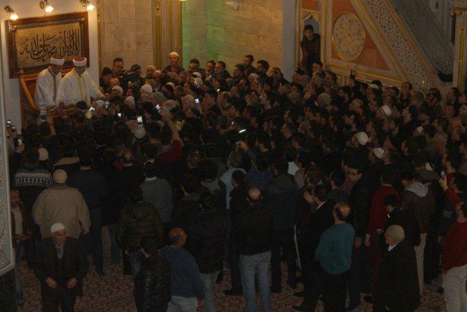 Sivas'ta camilerde kandil yoğunluğu