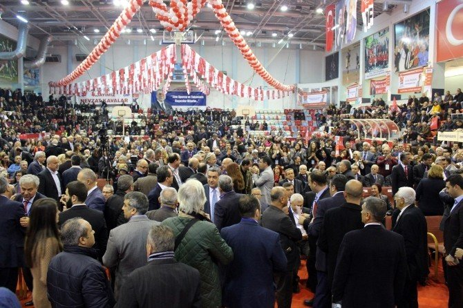 Başkan Levent Piriştina Aziz Kocaoğlu'nu Geçti
