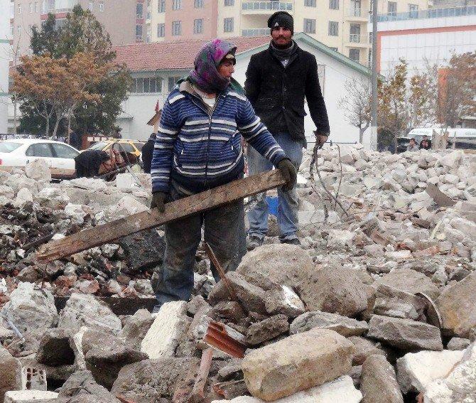 Aksaray'da Yıkım Hurdacılara Yaradı
