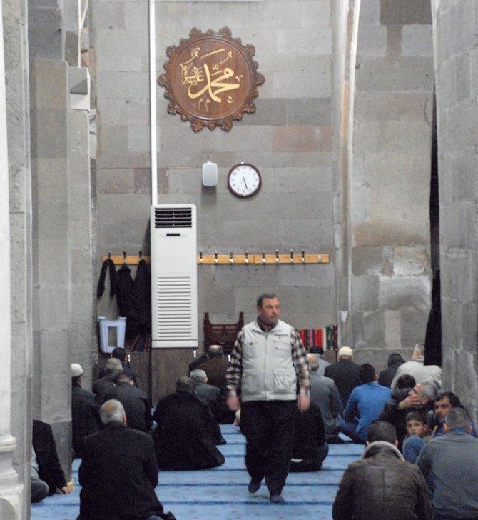Kayserililer Mevlit Kandili için tarihi camileri seçti