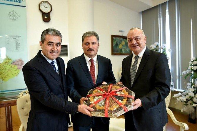 Manisa Büyükşehir Belediye Başkanı, Ulaşım Ekibiyle Birlikte Malatya'ya Geldi