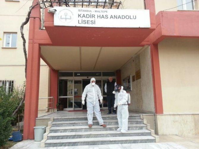 Maltepe'deki okullar ilaçlandı