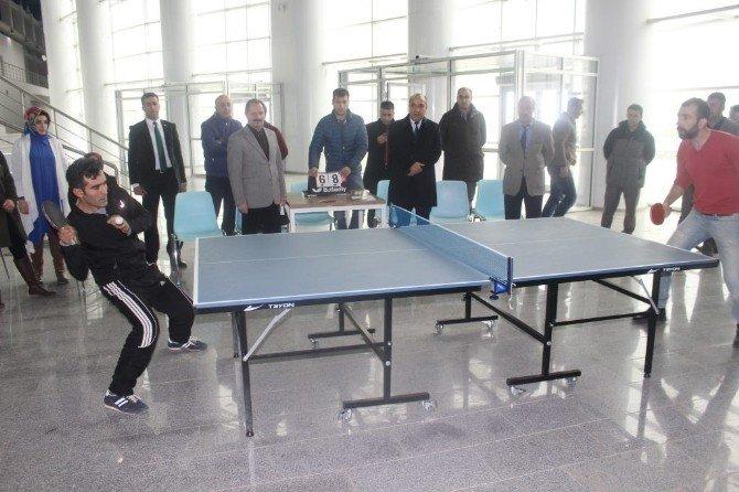 Muş'ta Masa Tenisi Turnuvası