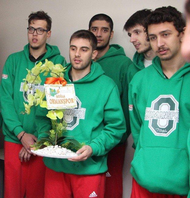 Ormanspor Basketbol Takımı Küreci'yi Ziyaret Etti